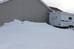 closed hybrid travel trailer