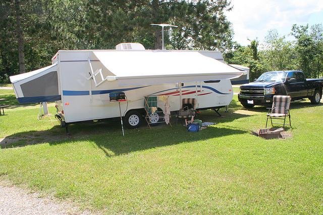 hybrid travel trailer