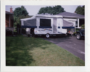 set up tent trailer